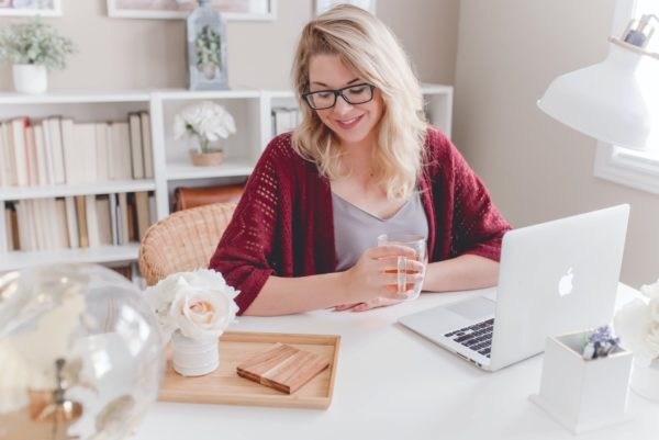 listing presentation business woman